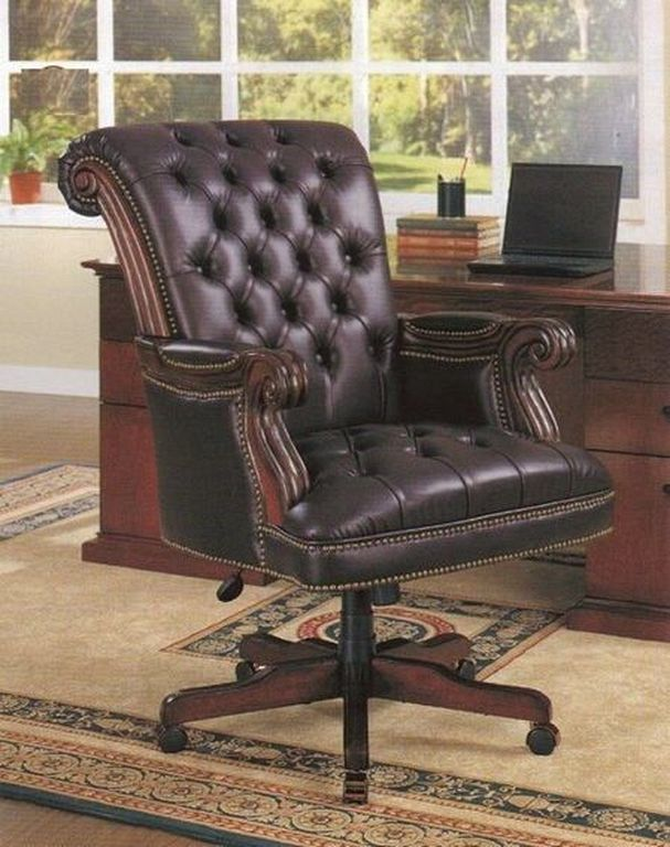 20+ Traditional Leather Chair Designs You Can Add To Your Home