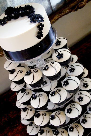 15 Awesome Delicious Weddings Cupcake Inspiration Tiers (Mit.