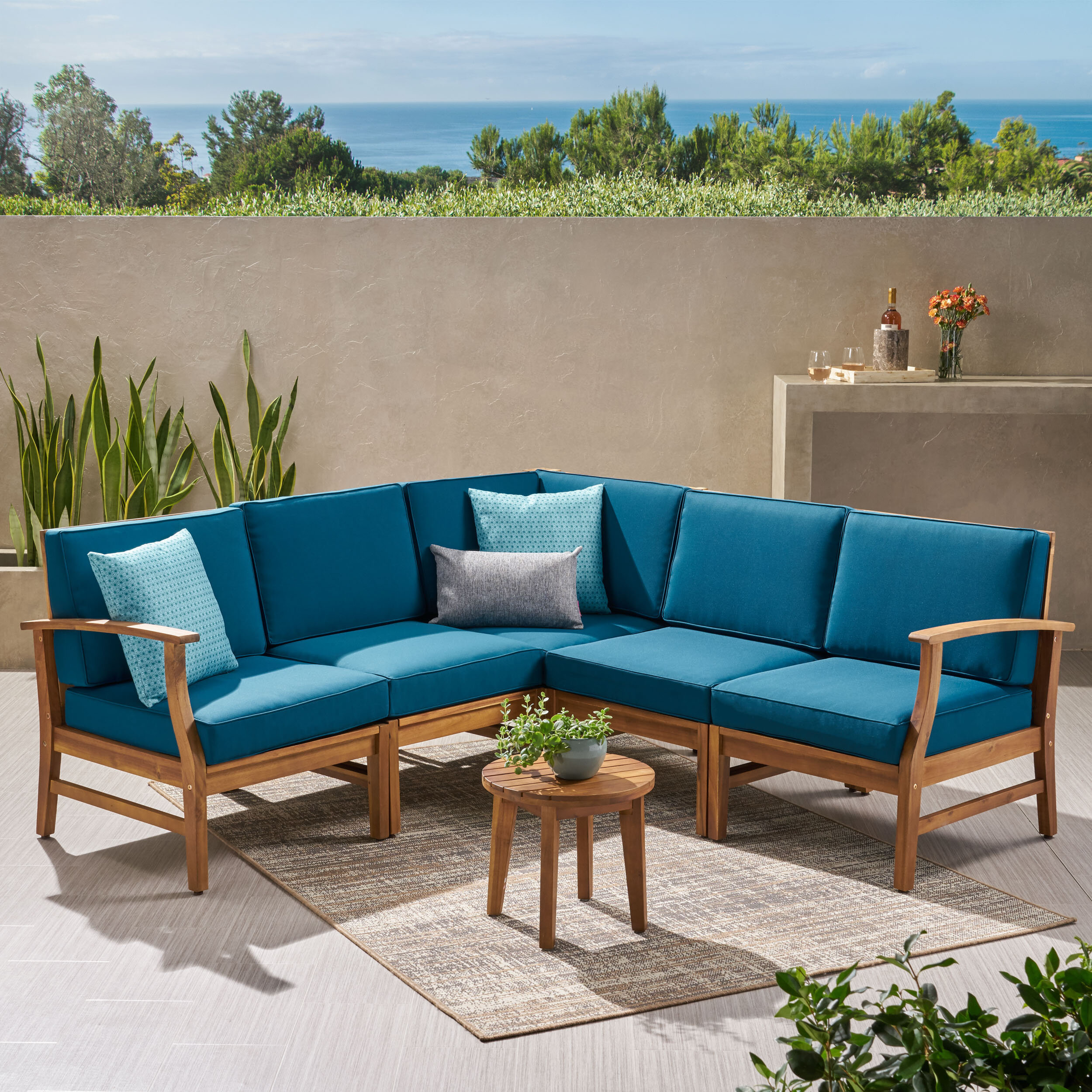 Antonia Teak Patio Sectionals mit Kissen